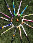 field-hockey-sticks-circle